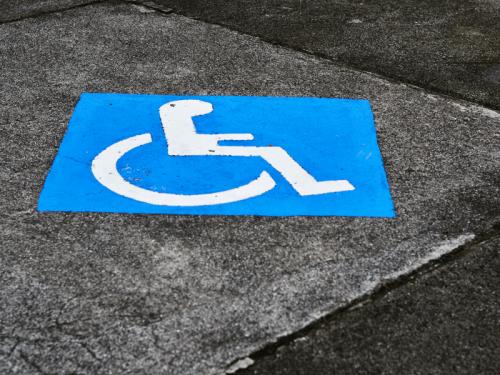 niepełnosprawność, znak, wózek inwalidzki, miejsce parkingowe